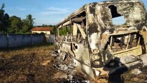 TO: Micro-ônibus do transporte escolar de Arapoema é incendiado
