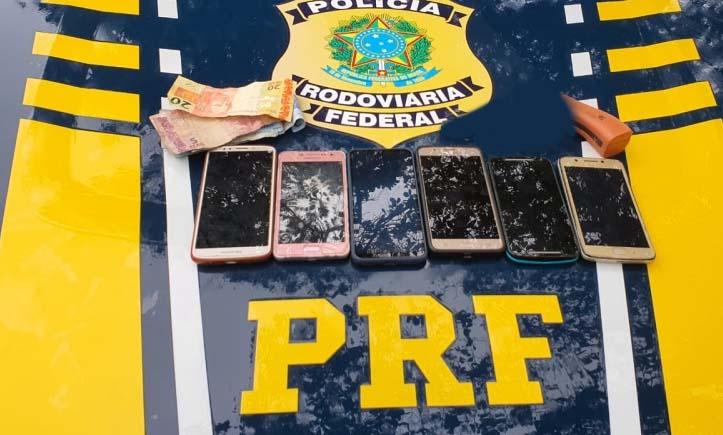 RN: PRF prende homem armado depois de roubar passageiros de um ônibus na BR-101
