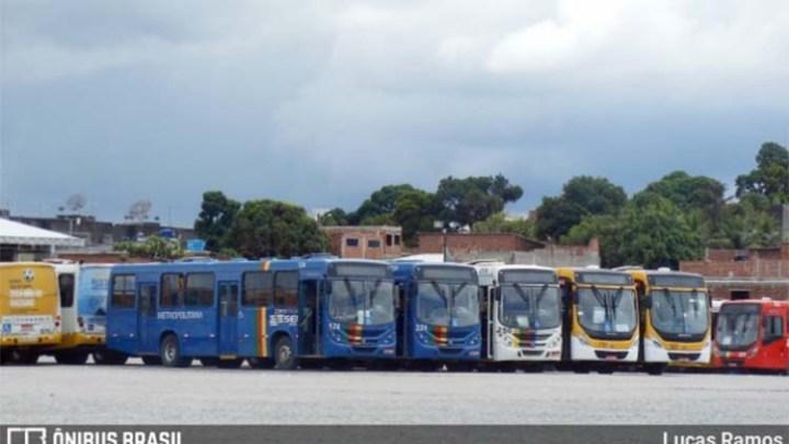 Recife: Rodoviários impendem saída de ônibus da empresa Metropolitana nesta manhã