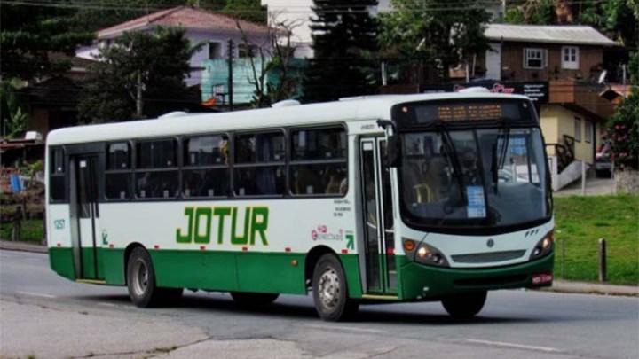 Transporte intermunicipal volta a operar em Florianópolis nesta segunda-feira 22