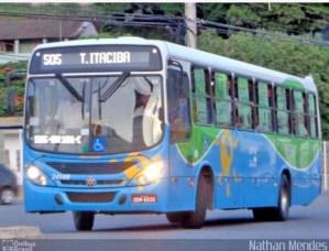 Vídeo: Ônibus é incendiado na manhã desta quinta-feira em Cariacica