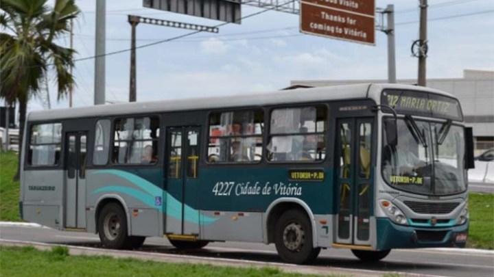 Rodoviários de Vitória seguem com paralisação de ônibus nesta quarta-feira