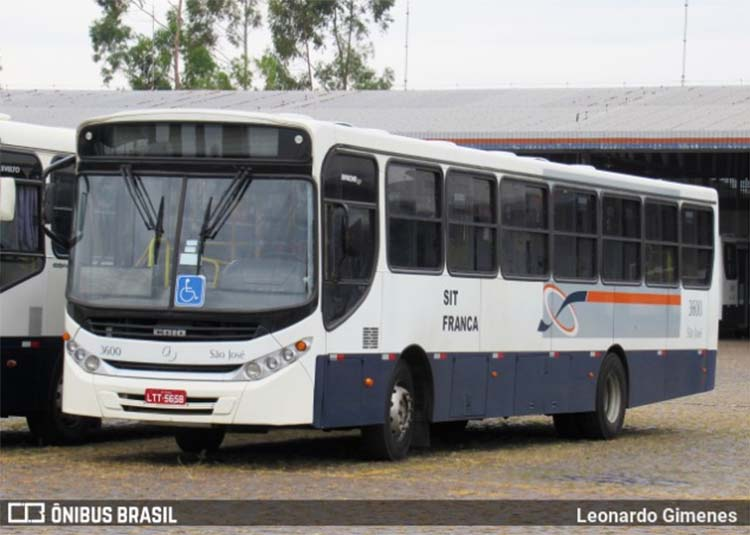 Franca: Dupla acaba depredando ônibus após ser expulsa por não usar máscaras