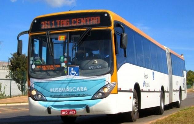 DF: Ônibus circulam com máscaras durante a pandemia da Covid-19