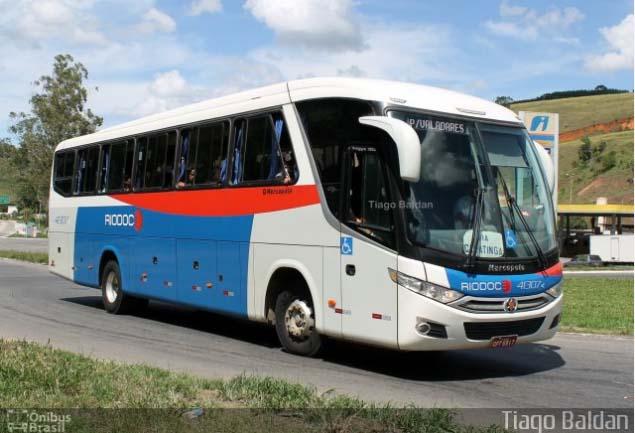 MG: Acidente entre carro e ônibus da Viação Rio Doce deixa três mortos na BR-116
