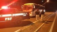 PRF apreende ônibus adulterado e com restrição na BR-316