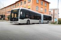 Daimler inicia as vendas do ônibus elétrico eCitaro articulado na Europa