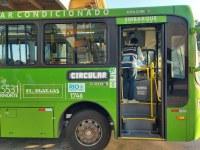 Prefeitura do Rio cria  operação para verificar marcações de orientação aos passageiros no piso dos ônibus