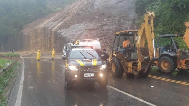 Domingo Martins: BR-262 segue interditada por conta de deslizamento nesta tarde de sexta-feira