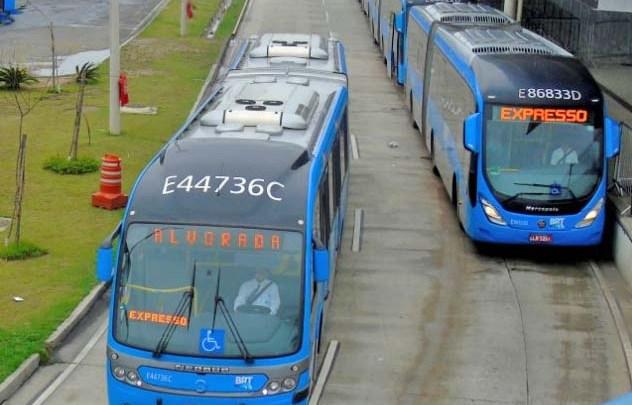 BRT Rio seguiu com coletivos lotados na manhã desta quinta-feira