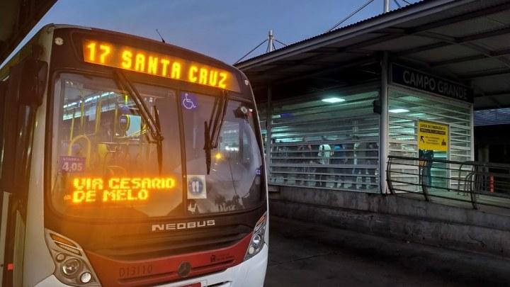 Vídeo: Prefeitura do Rio faz nova operação em garagens e outras 34 linhas voltam funcionar