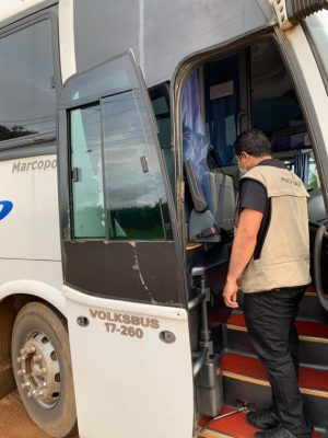 Rondônia: Fiscalização na BR-364 apreende 15 veículos que transportavam pessoas ilegalmente