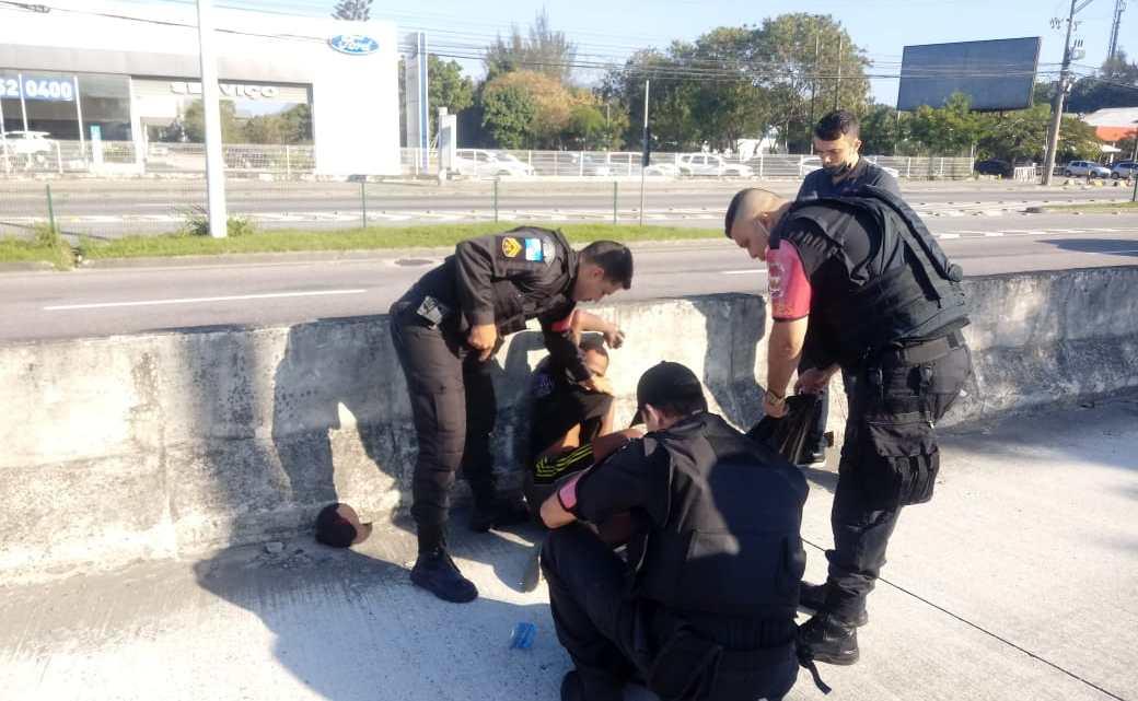 Rio: Quatro estações do BRT Rio foram vandalizadas e dois homens presos por furtos no fim de semana