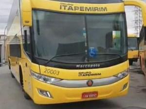 """Viação Itapemirim aparece com adesivo """"Grupo Itapemirim"""" em ônibus DD e  chama atenção"""