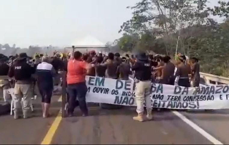 Vídeo: Tribo Kaiapó prometem fechar BR-163 nesta sexta-feira em Novo Progresso