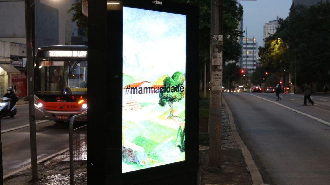 MAM põe reproduções de suas obras em diversos pontos de ônibus em São Paulo