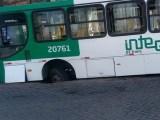 Ônibus da OT Trans é assalto em Salvador nesta manhã de segunda-feira