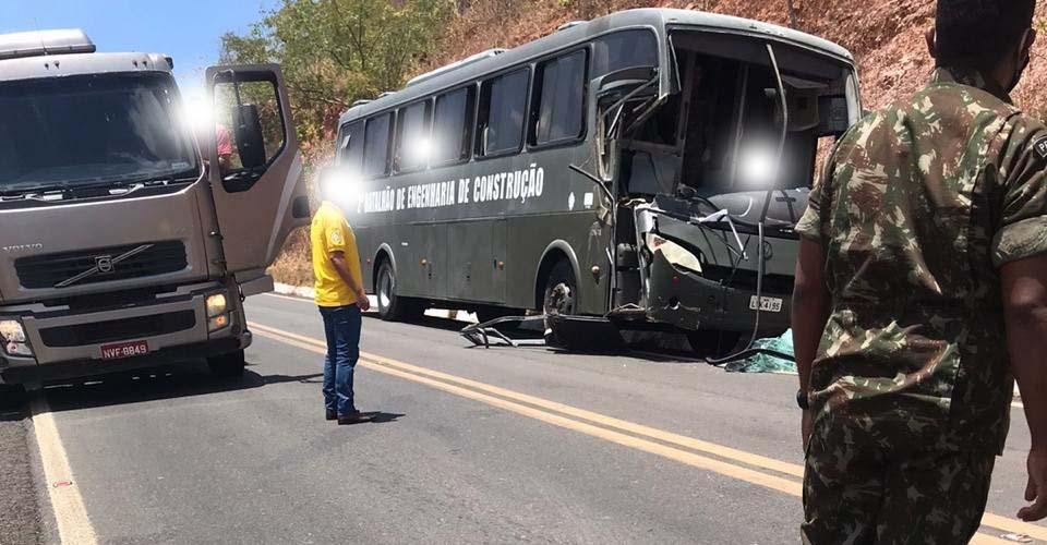 MA: Ônibus do Exército Brasileiro se envolve em acidente na rodovia MA-034