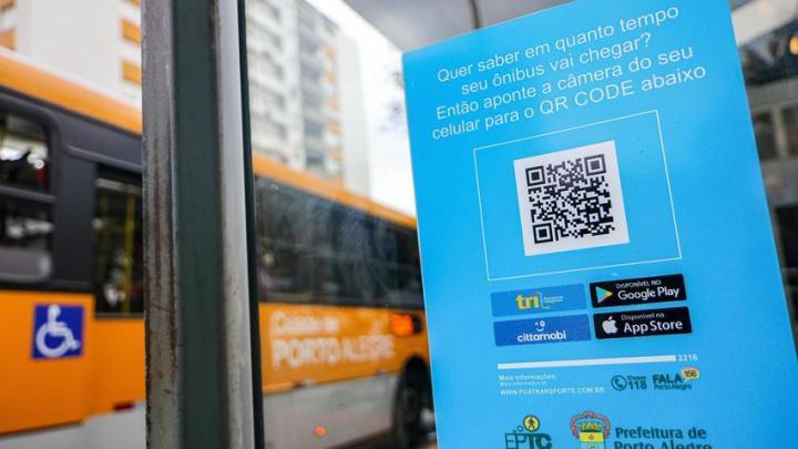 Porto Alegre: Paradas começam a receber QR Code para localização de ônibus em tempo real