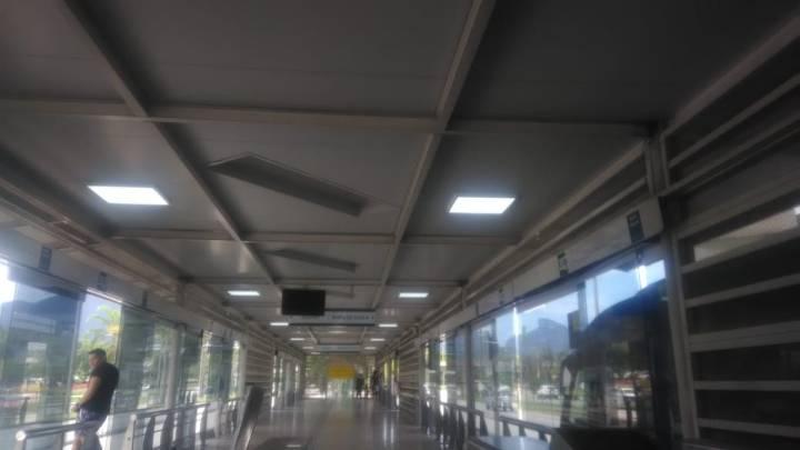 Rio: Bandidos vandalizam estação do BRT Olof Palme e levam 800 metros de cabos elétricos