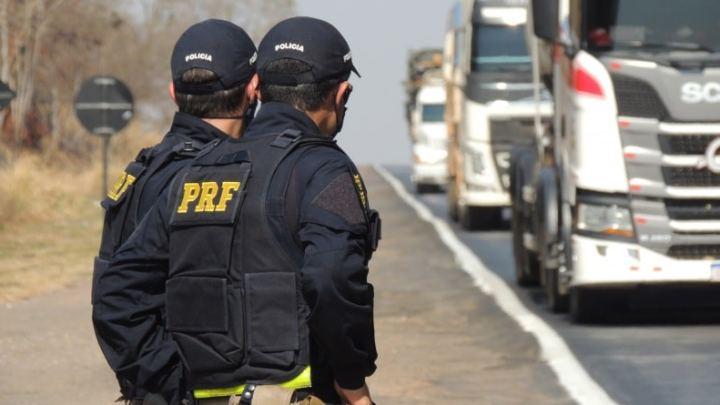 RJ: PRF reforça o policiamento durante o feriado nas rodovias federais no estado