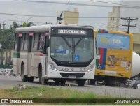 Jaboatão dos Guararapes: Moradores fazem protesto fechando parte do trecho da Estrada da Muribeca
