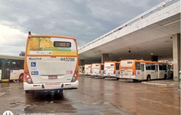 GDF estuda licitação de R$ 17 bilhões para contratação de empresas de ônibus