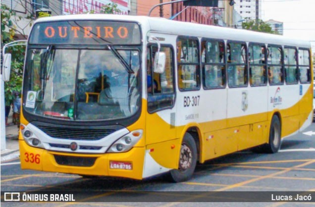 Prefeitura de Belém cobra  respostas da empresa de ônibus incendiados