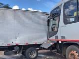 MG: Colisão entre caminhão e ônibus chama atenção em Ituiutaba