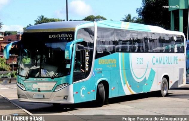 Vídeo: Ônibus da Auto Viação Camurujipe sobe na plataforma da Rodoviária de Salvador