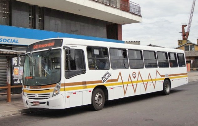 Porto Alegre realiza leilão de 24 ônibus da Carris ano 2006 retirados de circulação