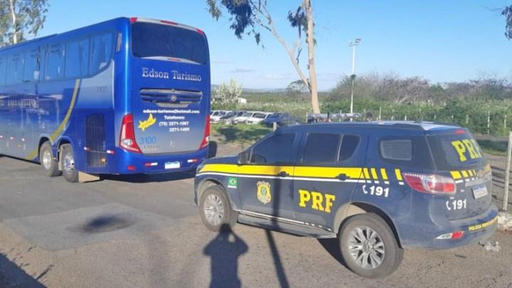 BA: PRF prende passageira de ônibus após furtar R$ 100 da bolsa de adolescente