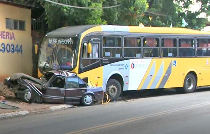 SP: Acidente entre ônibus e carro em Sumaré, ocorreu após discussão no trânsito