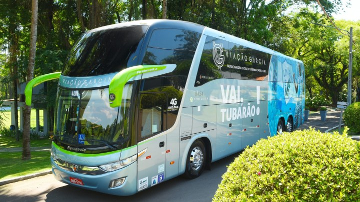 PR: Ônibus da Viação Garcia que leva time do Londrina está de cara nova