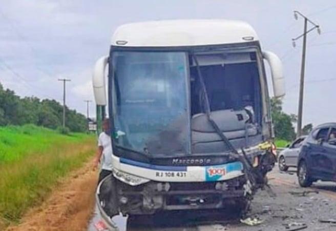 RJ: Acidente entre carro e ônibus da 1001 deixa uma pessoa morta na BR-356 em São João da Barra