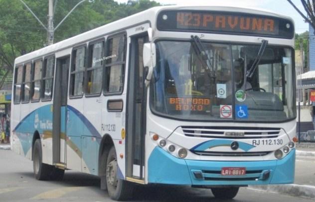 RJ: Bandidos assaltam ônibus da Auto Viação Vera Cruz na Baixada Fluminense