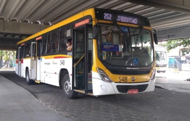Grande Recife: Ônibus voltam a circular sem cobradores nesta tarde, após protesto de rodoviários