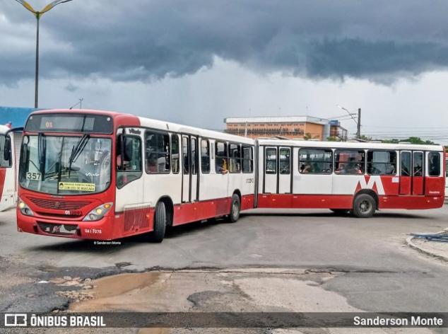 Manaus: Bandidos causam pânico durante assalto a ônibus da linha 560