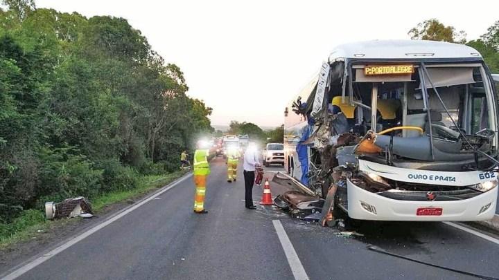 RS: Acidente com ônibus da Ouro e Prata deixa feridos na  BR-386, em Nova Santa Rita