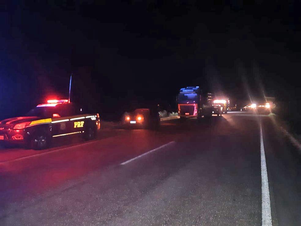 RS: Acidente entre motocicleta e ônibus fretado deixa um morto na BR-392 em Rio Grande