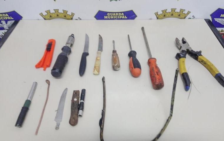Curitiba: Dois homens são presos após furto em ponto de ônibus