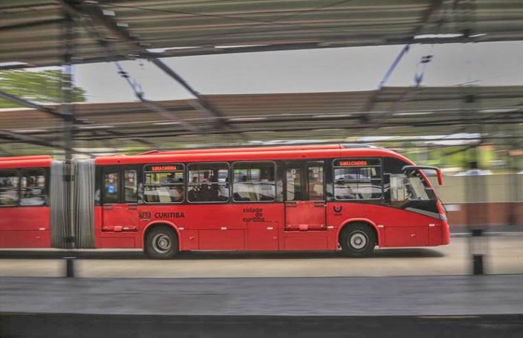 Curitiba: Pandemia fez transporte coletivo perder quase 100 mi de passageiros em um ano