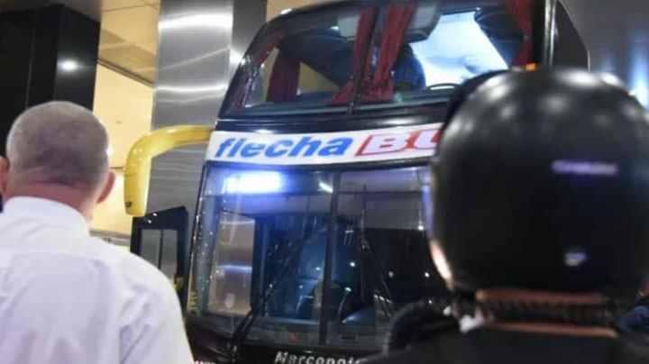 Buenos Aires: Ônibus com a delegação do Santos é apedrejado após partida de futebol, afirma time em rede social