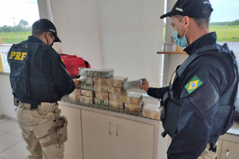 MS: PRF apreende grande quantia de dinheiro com passageiro de ônibus em Campo Grande