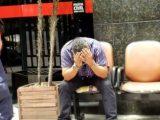 Polícia detêm homem após filmar partes íntimas de mulher por baixo de saia em ônibus de BH