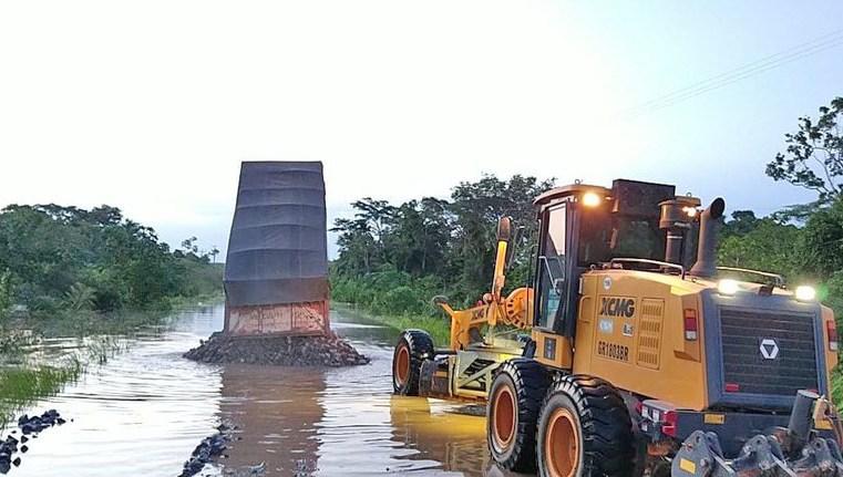 Acre: DNIT intensifica trabalhos para recuperação de rodovia atingida pelas chuvas no estado