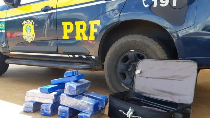 MS: PRF apreende 23 Kg de entorpecente com passageira de ônibus em Três Lagoas na BR-262