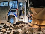 RJ: Acidente com ônibus da Viação Cascatinha deixa duas pessoas feridas em Petrópolis