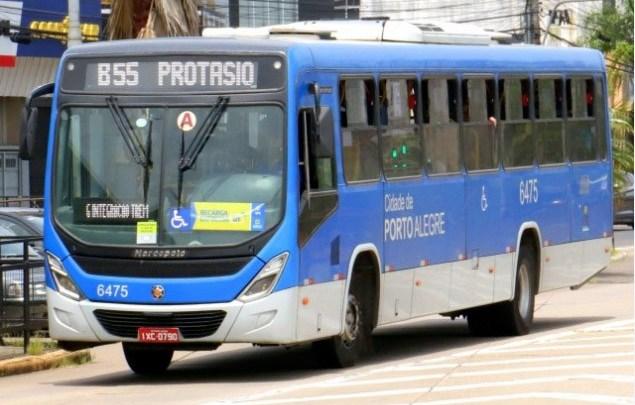 Porto Alegre anuncia medidas restritivas para conter a covid-19. Ônibus não podem ter passageiros em pé