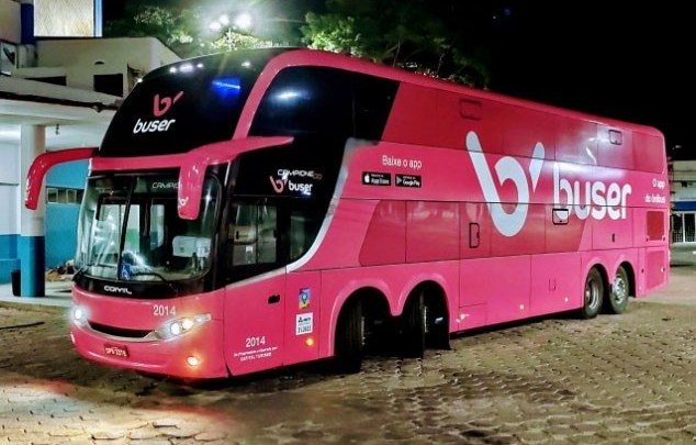Fiscais da ANTT descumprem decisão judicial e apreendem ônibus de fretamento sem justificativas, diz Buser